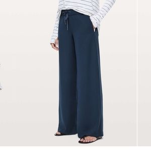 NWT On the Fly wide leg pant woven
